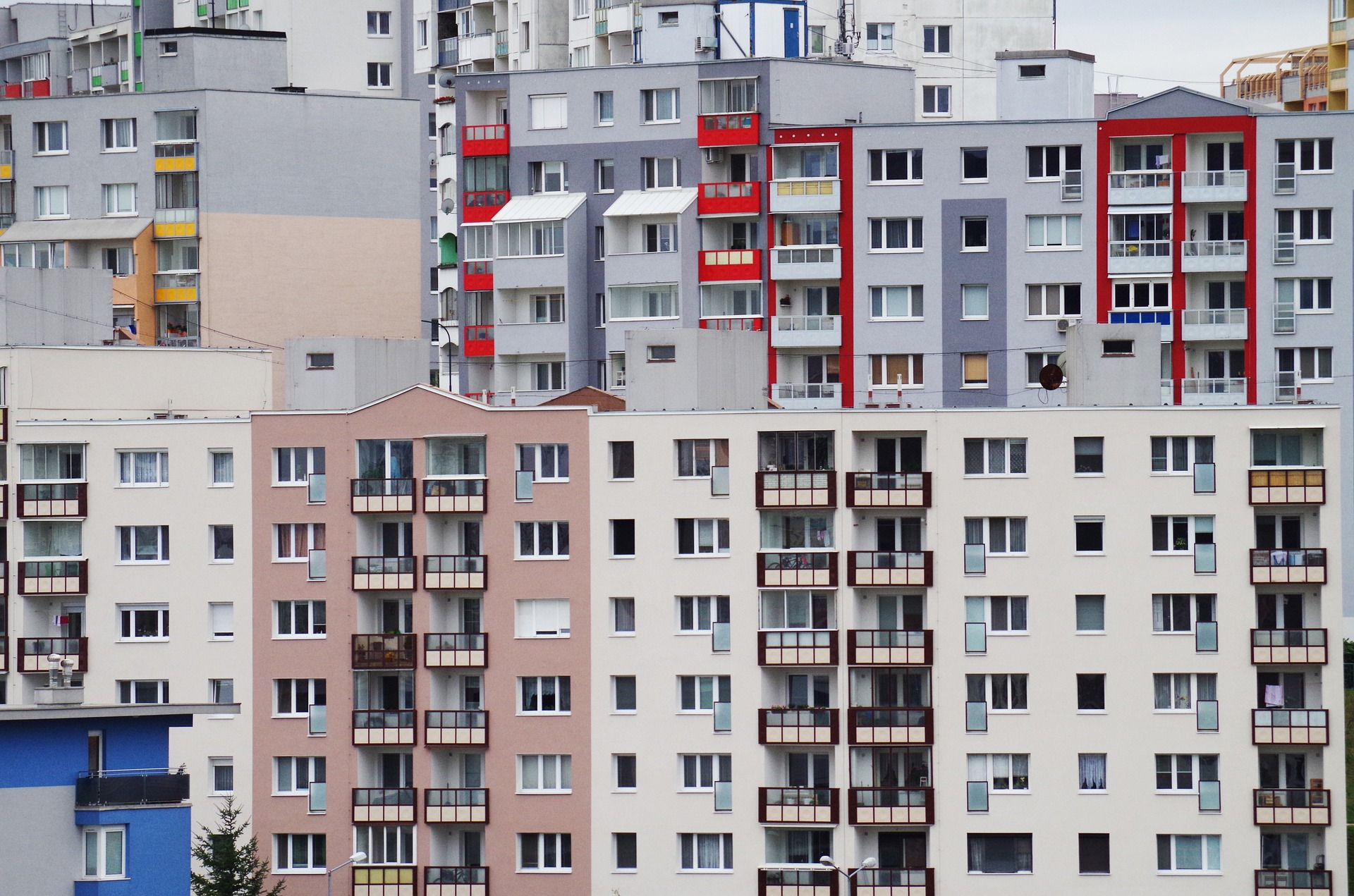 Апартаменты поднялись в цене на фоне слухов о придании им статуса жилья - фото 1