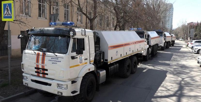 Спасатели помогли провести массовую дезинфекцию общественных мест в Ростове